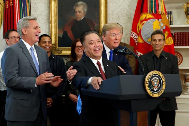 Broadcom Willing to Go Hostile to Win $105 Billion Qualcomm Deal
