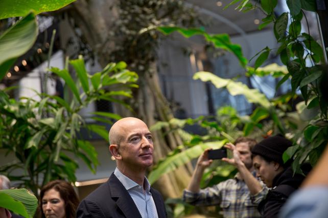 Amazon's headquarters bake-off puts it in the corporate-welfare spotlight