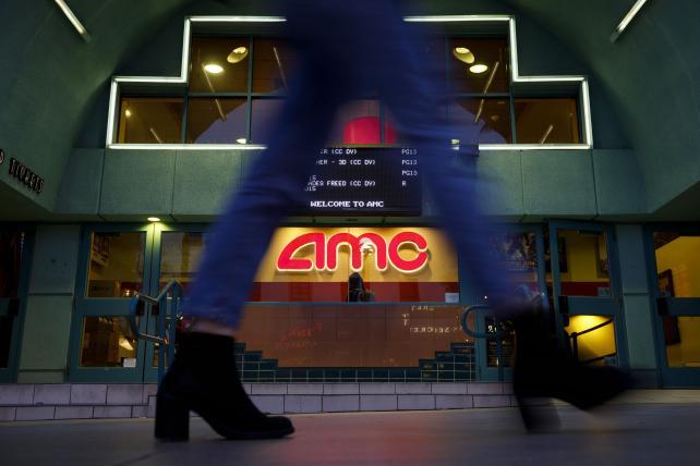 Despite Netflix, movie theaters had best summer in decades