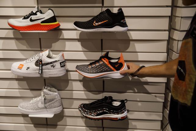 Shoe burners flameout: Nike's Kaepernick ad led to sales uptick