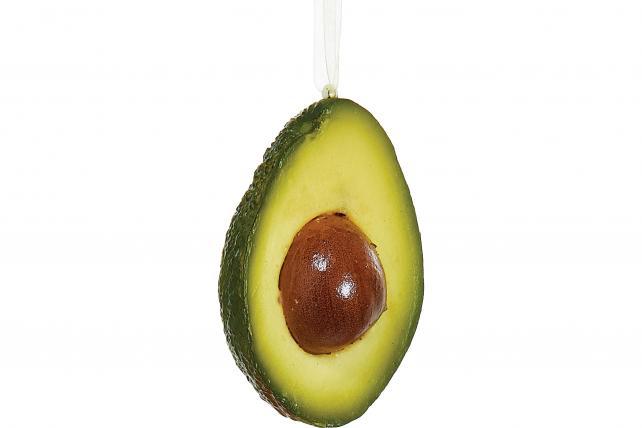 A kiss under the avocado?