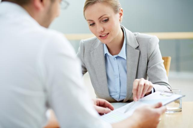 Banks miss the mark when it comes to talking to women, study says