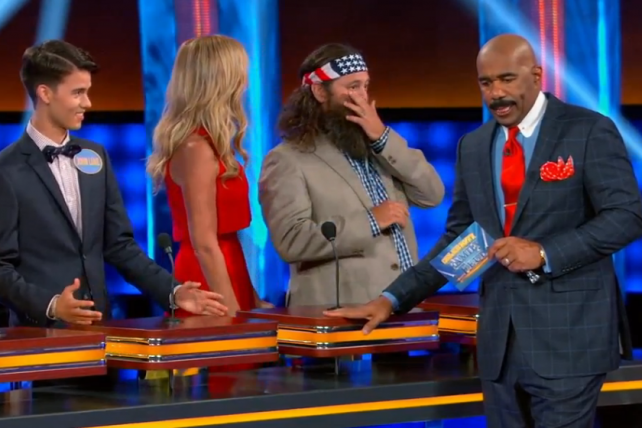 The Robertson family, of 'Duck Dynasty' fame, on 'Celebrity Family Feud'