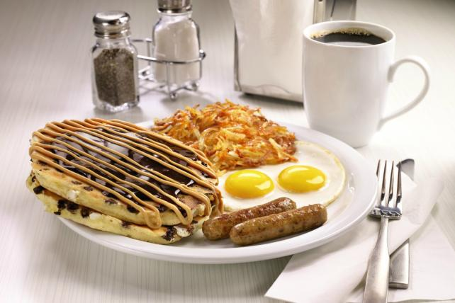 Denny's Revamps Pancakes in Bid to Keep Up Sales Momentum
