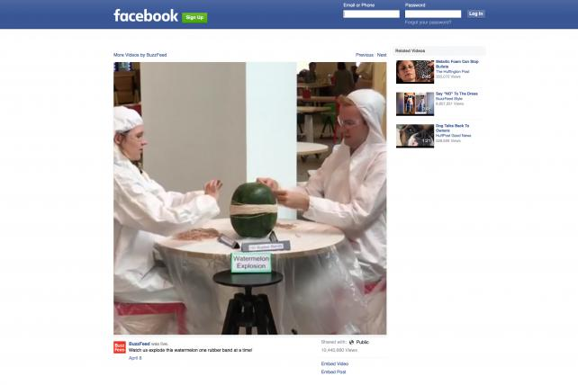 BuzzFeed's exploding watermelon video scored 800,000 concurrent viewers.