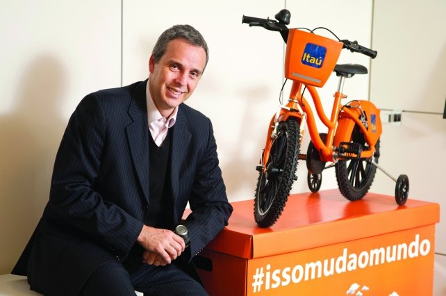 Itau's bike program offers 7,900 branded rides in seven cities.