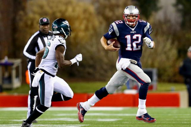 Tom Brady of the Patriots runs with the ball against the Eagles at Gillette Stadium on Dec. 6, 2015, the last time this year's Super Bowl teams met.