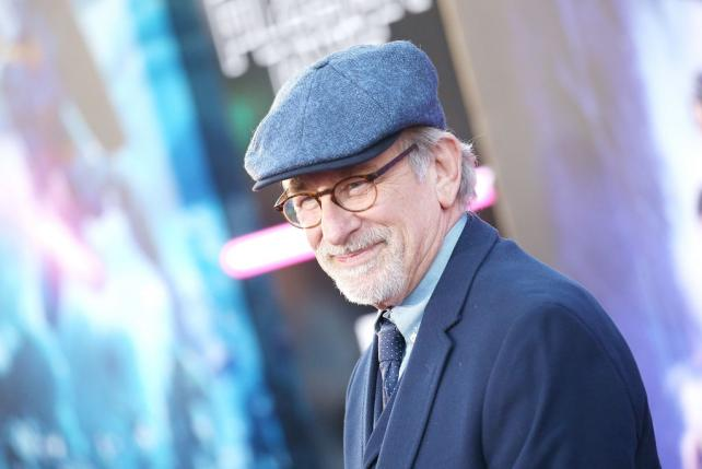 Wednesday Wake-Up Call: Steven Spielberg tells Carl's Jr. to cease and desist with its 'SpielBurgers'
