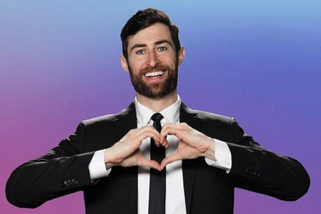 HQ Trivia's Scott Rogowsky Doesn't Want You To Cheat (And Yes Those Eyebrows are All Natural)