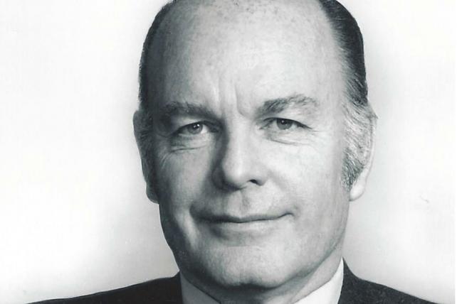Adman John Petersen Warwick Dies at 90