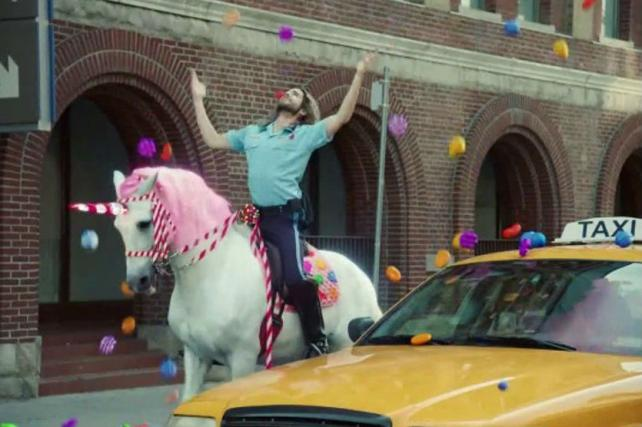 Watch the Newest Ads on TV From Hulu, The New York Times, King and More