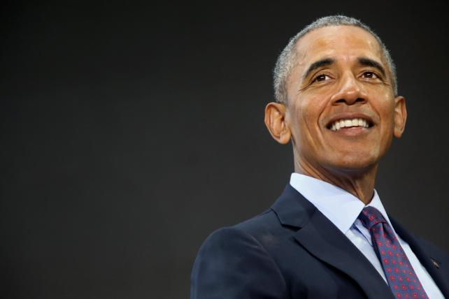 Friday Wake-Up Call: Obama + Netflix? Plus, Toys R Us Eyes a U.S. Shutdown