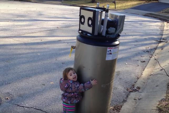 Here's the Correct (and Adorable) Way to Welcome Our Robot Overlords