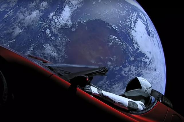 Wake-Up Call: News on Tesla, Jim Carrey, Facebook, Snapchat