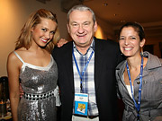 Photos From the American Magazine Conference: Mingling