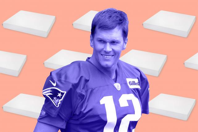 Switching teams, Patriots' Tom Brady gets into bed with online mattress Molecule