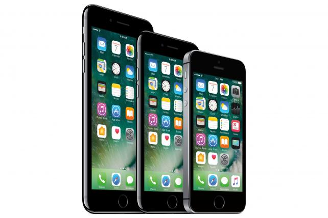 The iPhone 7 Plus, iPhone 7 and iPhone SE.