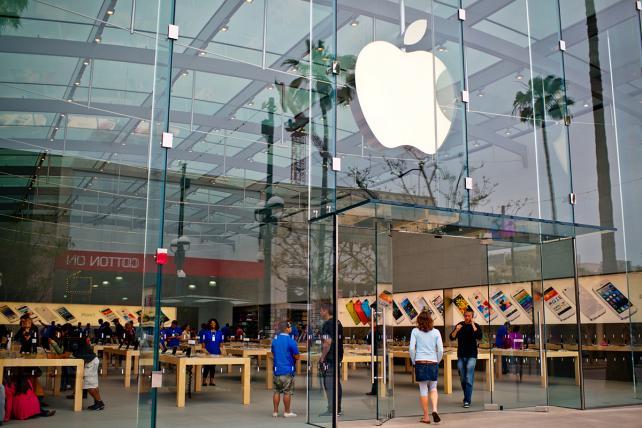 An Apple store in Santa Monica.