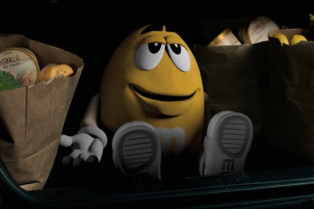 M&M's most recent Super Bowl spot in 2014 depicted an oblivious Yellow arriving at a party where there will be ... snacking.