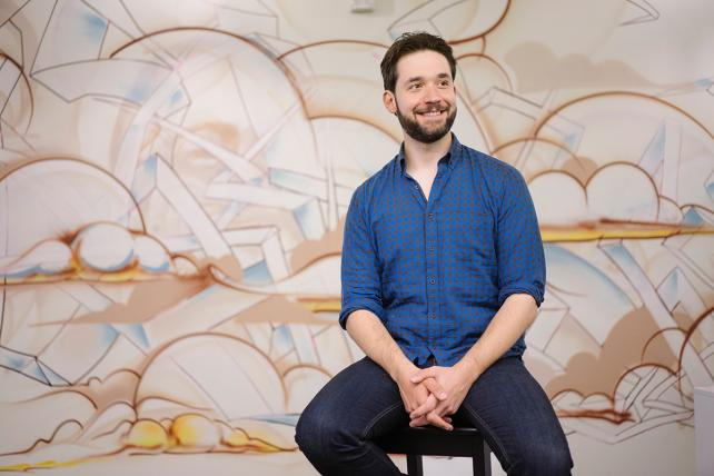 Reddit co-founder Alexis Ohanian says people check out ads on the site for minutes, not seconds.