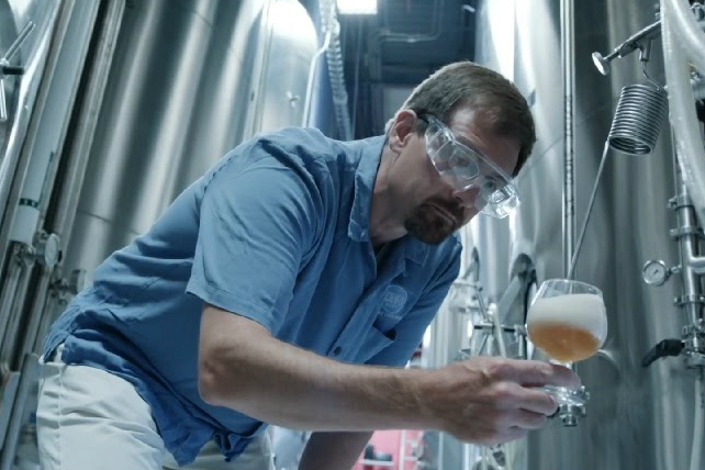 Siemens Uses Schlafly Beer to Tell Story of Manufacturing's Rebirth