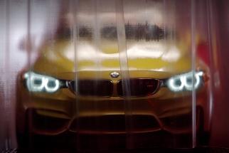 BMW M4 - Factory Trailer