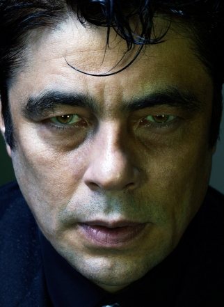 G.Q. Evil Instincts - Benicio Del Toro (print)