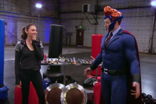 Turner helps Wonder Woman lasso fans